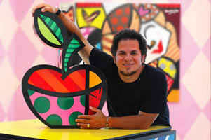 Britto_with_apple.jpg